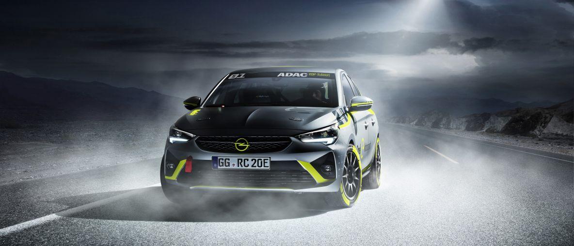 Anteprima mondiale al Salone Internazionale dell'Automobile di Francoforte: Opel è il primo costruttore a presentare un'auto da rally elettrica