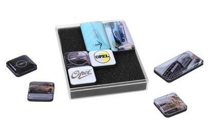 Un Natale coloratissimo: le idee regalo della Collezione Opel.