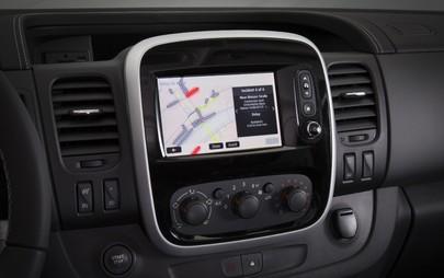 Superba connettività: sistema Navi 80 IntelliLink per Opel Vivaro e Movano