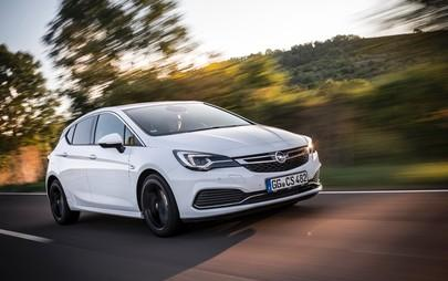 Opel aumenta l'offerta del Cruise Control adattivo su Astra