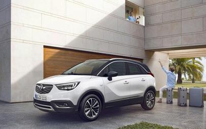 Un'anteprima raffinata per un'auto 'cool': arriva il nuovo Opel Crossland X