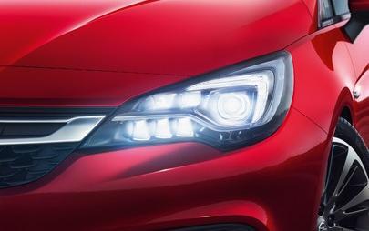 Opel Astra e i fari IntelliLux LED® a matrice conquistano i clienti
