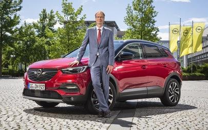 """Brand CEO dell'anno: Michael Lohscheller, CEO di Opel, riceve il premio """"Eurostar 2019"""""""