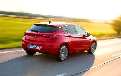 """Opel Astra: 500.000 ordini per l' """"Auto dell'anno 2016"""""""
