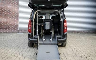 Opel alla RETTmobil 2019: accessibilità per i passeggeri su sedia a rotelle