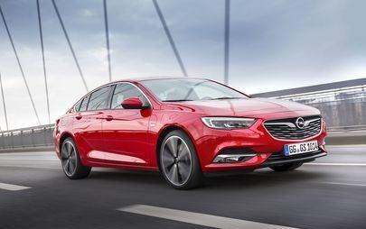 "Opel Insignia è ""All-Wheel Drive Car Of The Year 2019"""