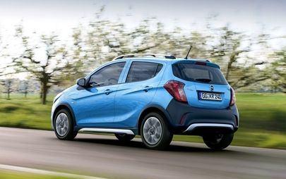 Opel KARL e l'Italia, 50 mila volte il primo bacio