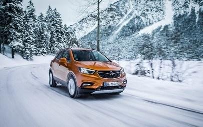 Le gioie dell'inverno: affrontare neve e ghiaccio in tutta tranquillità con Opel