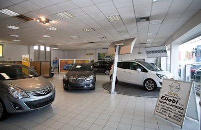 showroom Opel Ellebi